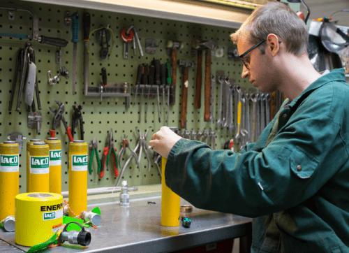 Reparatie hydraulische gereedschappen